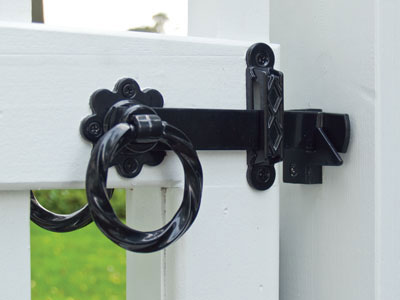 Twisted Ring Gate Latch Set Back